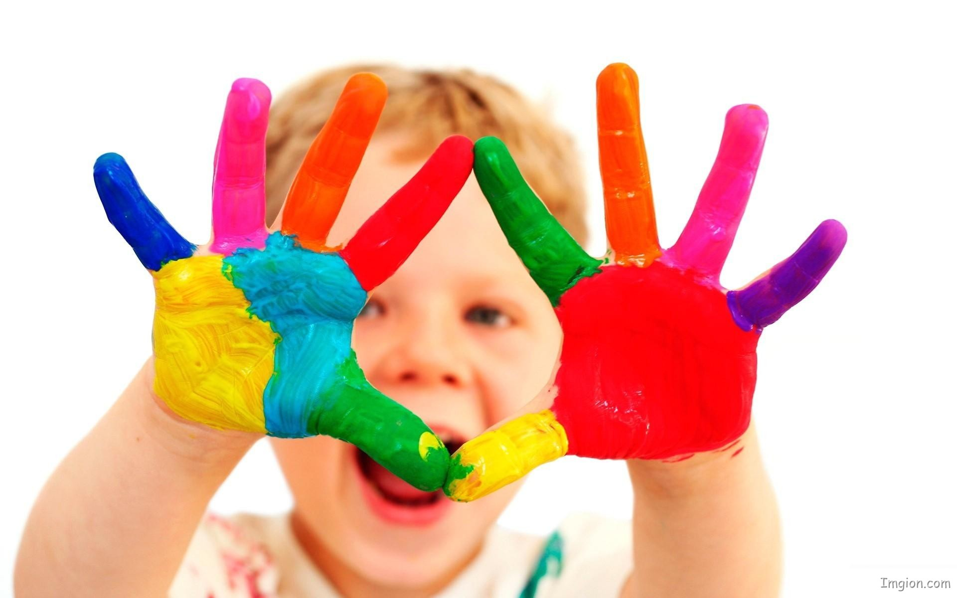 Colourful-Hands-